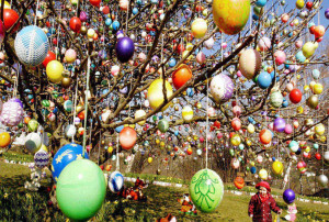 Easter-Eggs-Tree