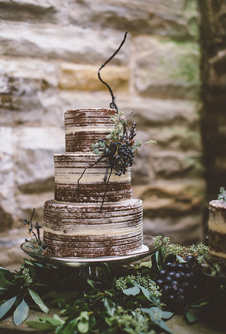 Dark-Wedding-Cakes-Refresh-The-Colagrossis